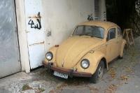 ein alter VW-Käfer in Rio de Janeiro