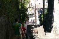 Enge Gasse im Stadtteil Santa Teresa in Rio de Janeiro