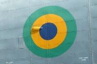 Brasilianische Nationalfarben an einem Marine-Helikopter