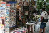 Brasilianische Presse: Zeitungskiosk mit Zeitungen und Zeitschriften in Rio de Janeiro, Brasilien