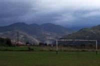 einsamer Fußballplatz in der bulgarischen Ortschaft Petrovo