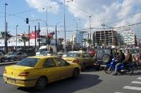 Straßenverkehr in Piräus, Griechenland