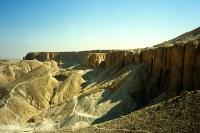 Wüste und Berge bei Theben West