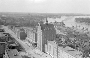 Blick auf die Altstadt von Rostock (1959)