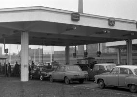 Tankstelle in der DDR (1970)