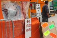 German Bratwurster on Barbecue an einem Imbissstand in Irland