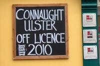 Pub in der irischen Kleinstadt Ballyshannon im County Donegal