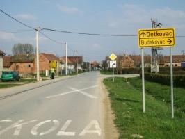 Wegweiser nach Detkovac und Budakovac