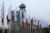Die ITB 2012 Berlin öffnet die Pforten, Beflaggung vor den Messehallen