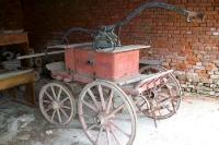 altes Gefährt in der kroatischen Ortschaft Kapinci