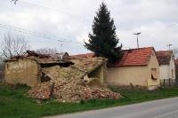 verfallenes Wohnhaus in einer kroatischen Ortschaft