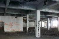 im beim Krieg zerstörten Einkaufszentrum von Vukovar
