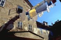 Wäsche in einem Hinterhof von Zagreb