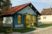 kleine gelbe Post in einer kroatischen Ortschaft im Norden des Landes