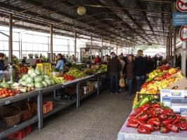 Obst und Gemüse auf einem Markt in Koprivnica