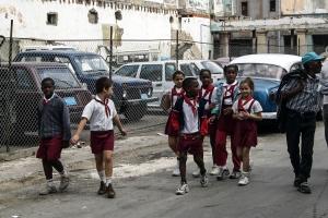 Pioniere auf den Straßen von Havanna