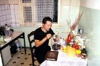 in einer Küche eines Neubaublocks in Ulaan Baatar