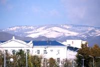 Schnee auf den Bergen bei Ulaanbaatar