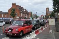 britische Fahrzeuge im nordirischen Belfast