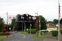 Oranje & Britisch - in zahlreichen nordirischen Städten wird Flagge gezeigt