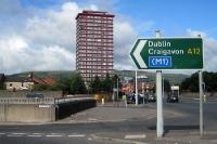 Wegweiser nach Dublin in Belfast