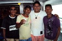 Brasilianer und Peruaner an Deck eines Amazonas-Schiffes
