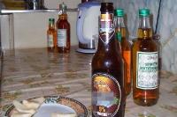Bier und Spiritus mit Karamell im polnischen Haushalt