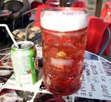 großes polnisches Bier mit Saft