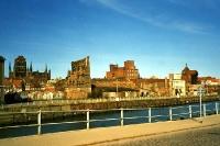 Kriegsruine am Hafen von Gdansk / Danzig