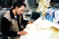 Marco Bertram bei der Nachbearbeitung des Projektes Berlin-Sydney 2000