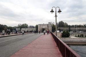 Brücke über die Nišava