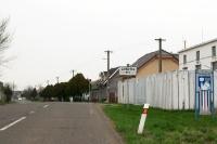 Ortseingang von Zahorska Ves (Slowakei)