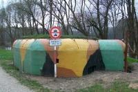 Ehemaliger slowakischer Grenzbunker am Fluss March