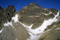 Massive Bergwand in der Hohen Tatra