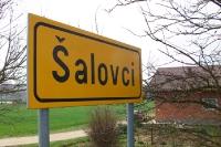 Ortseingangsschild der slowenischen Ortschaft Salovci