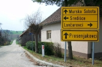 Wegweiser nach Murska Sobota und Sredisce in Slowenien