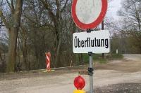 Stop! Überflutung in Österreich! Ein Fluss trat über das Ufer
