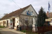 kleiner Dorfladen in einer ungarischen Ortschaft
