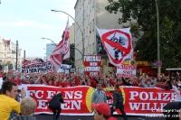 Fans und Ultras des 1. FC Köln bei der Fandemo in Berlin, 2010
