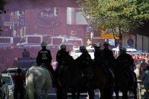 FC Köln Fans auf dem Weg zum Bochumer Stadion