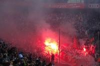 Kölner Ultras zündet Pyro in Gladbach