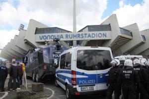 Polizeieinsatz gegen Magdeburg Fans in Bochum