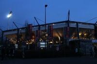 Stadion des 1. FC Nürnberg unter Flutlicht