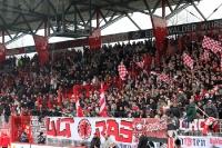 Ultras / Fans von Fortuna Düsseldorf beim 1. FC Union Berlin, prall gefüllter Gästeblock