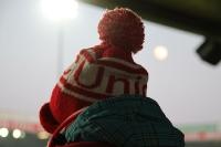 Der Nachwuchs auf den Schultern im Stadion An der Alten Försterei