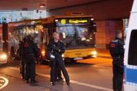 Polizei sichert die Abreise der Fans des 1. FC Union Berlin in Dresden ab