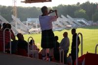 schottischer Fan fotografiert die Baustelle an der AF