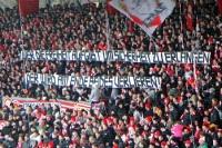 Spruchbänder beim Spiel gegen den VfL Bochum