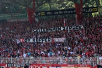 Spruchband auf der Waldseite bei Union Berlin