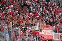 Support der Union Fans in Essen: Oberkörper frei